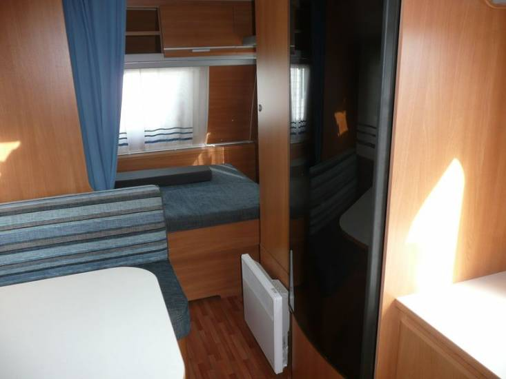 vend caravane adria aviva 400 cp rouen boos 76 camping car mobilhome rouen normandie. Black Bedroom Furniture Sets. Home Design Ideas