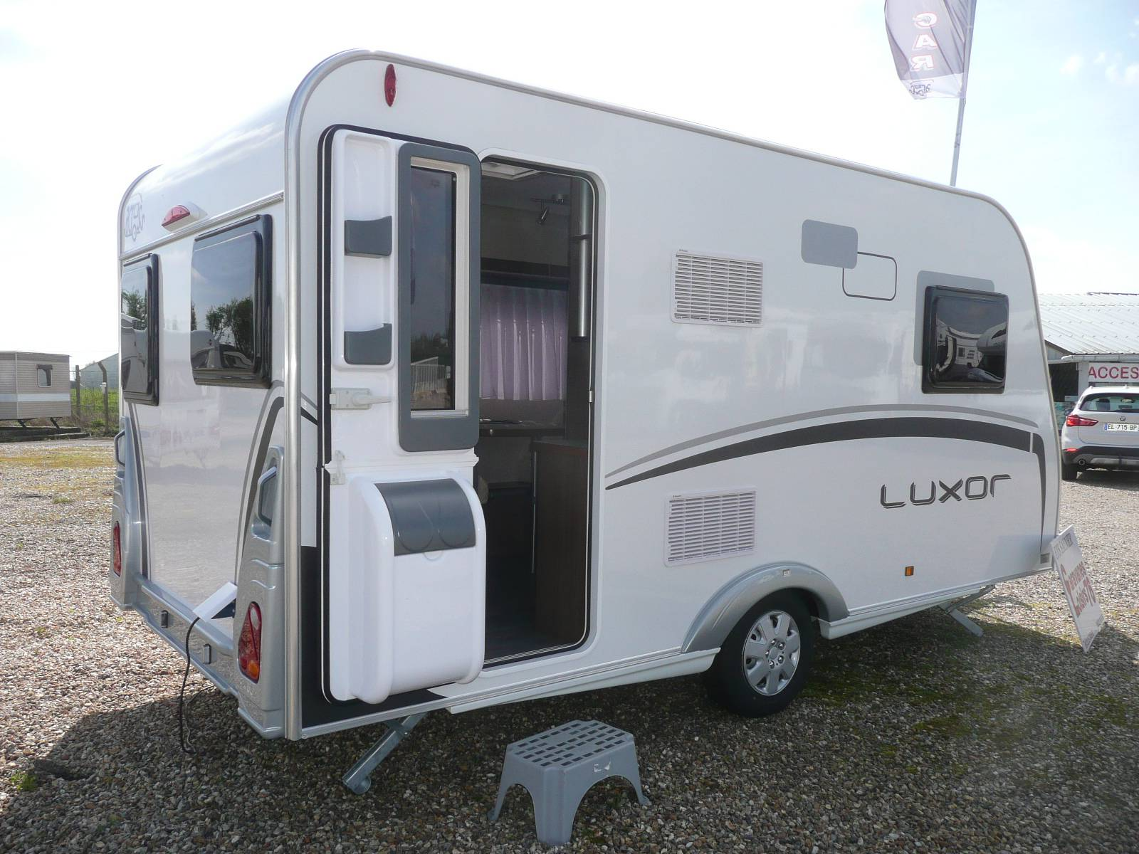 a vendre caravane neuve across luxor 396 cp mod le 2017 rouen boos 76 camping car. Black Bedroom Furniture Sets. Home Design Ideas